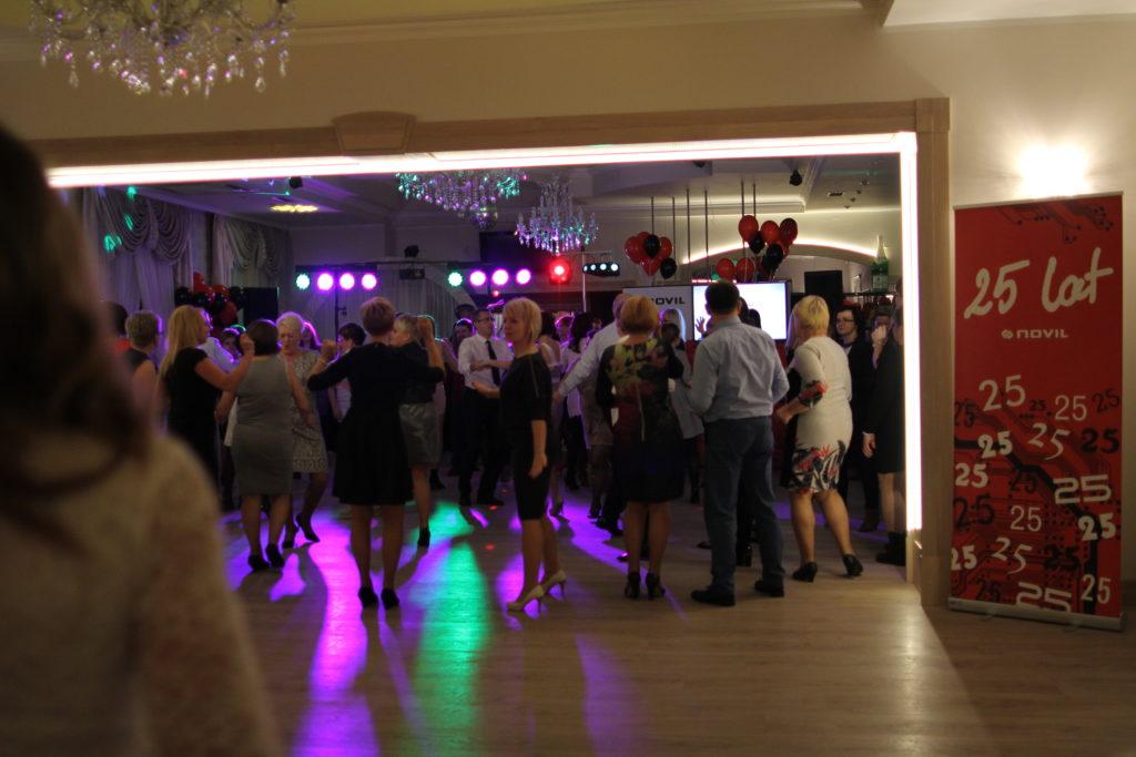 25th Anniversary Novil - dancefloor